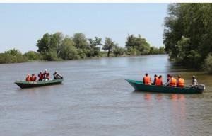 Экскурсии по экомаршрутам проводятся на моторных лодках-бударках