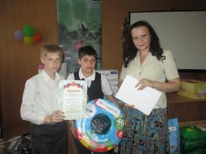 Школа-интернат № 3 на собранные средства получила поливной шланг для пришкольного участка