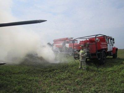 Пожарная техника Астраханского заповедника способна тушить пожар в движении