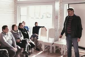 Директор заповедника Николай Цымлянский даёт напутствие волонтёрам