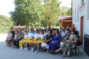 Участники районного экологического праздника - сотрудники заповедника и жители Камызякского района